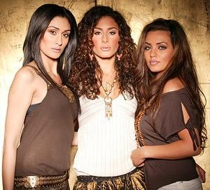 Asian girl band rouge