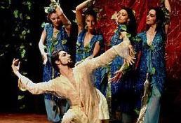 رقص و هنر نمایی با شاهرخ مشکین قلم