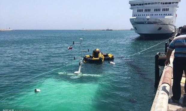 یک کشتی بزرگ مسافربری در جزیره کیش غرق شد