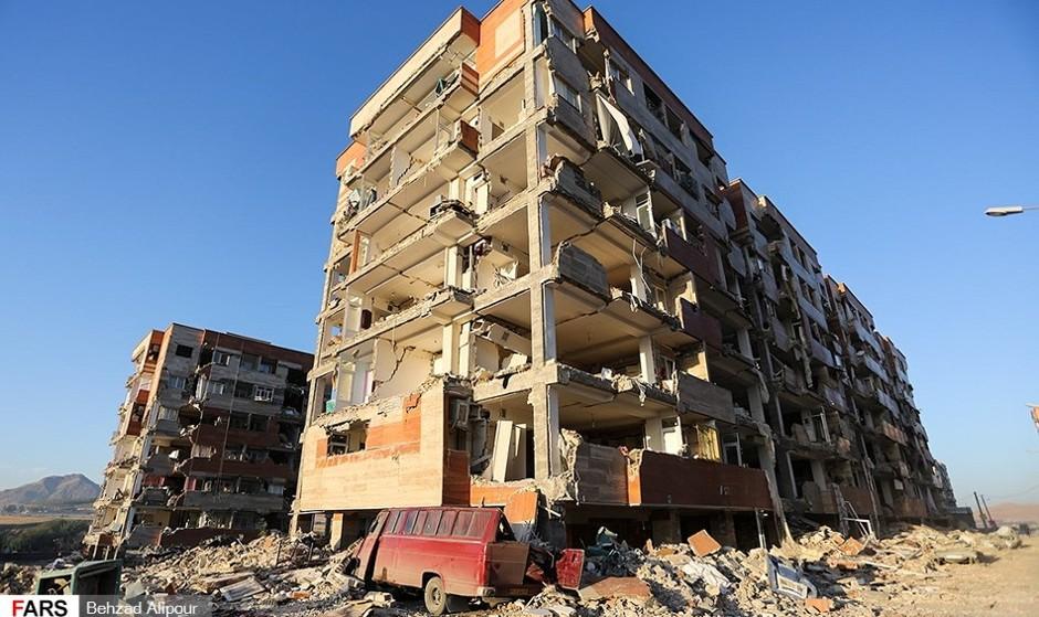 تصاویر: سرپل ذهاب، دو روز پس از زلزله/ فیلم: اجساد سربازان در سرپل ذهاب