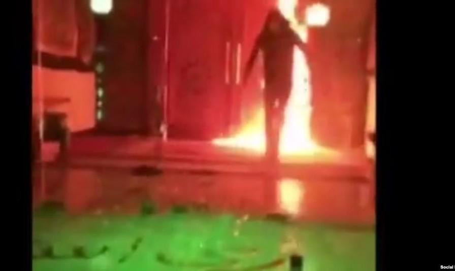آتش زدن مسجد جوادالائمه و سنگ به شیشه بانک و صرافیهای تهران: جنبش جدید اعتراضی جوانان