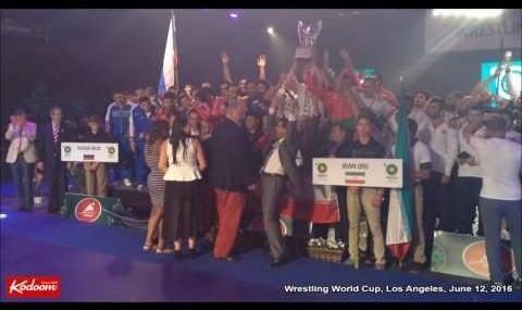 سنگ تمام ایرانیان لس آنجلس برای تیم ملی کشتی (ویدیو)