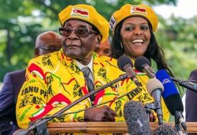 کودتا در زیمبابوه علیه پیرترین دیکتاتور دنیا در پی سفر فرمانده ارتش به پکن: رابرت موگابه در بازداشت خانگی