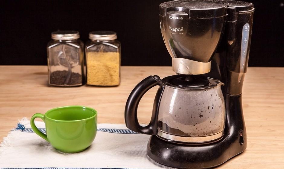 آیا می دانید قهوه سازها اگر درست تمیز نشوند می توانند از صندلی توالت هم آلوده تر باشند؟