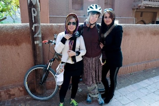 درتا چجنوسکا: داستان سفر روزنامه نگار لهستانی به ایران برای ساختن دوچرخه از بامبو