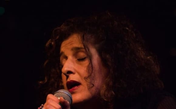 رویا عرب: ترانههای اعتراض