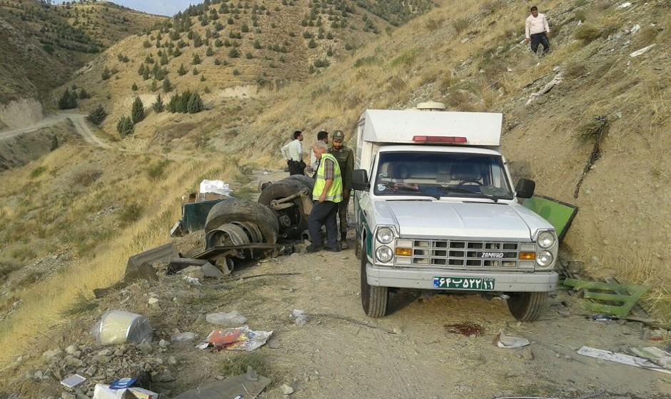 سقوط اتوبوس مسافری به داخل دره جاجرود به دلیل نامعلوم: ۳۹کشته و زخمی