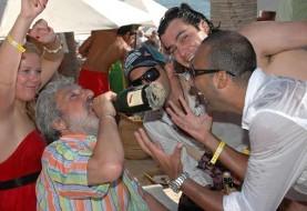 ابی، آرش و شاهکار: مشروب، پارتی و عشق و حال (تصویر)