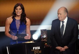 دروازهبان تیم فوتبال زنان آمریکا «سپ بلاتر» را به آزار جنسی متهم کرد