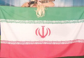 Lebanese model supports Iran in World Cup