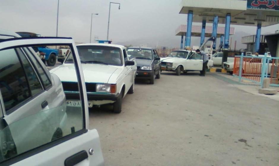 اثر احتمال تحریم و عملیات نظامی علیه ایران بر قیمت بنزین و دلار در ...