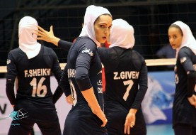 Iran's Top Female Volleyballer Joins Bulgarian Team for $3000! Practices in Hijab