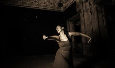 Helia Bandeh Ghiasabadi: Traditional Persian Dance preformance