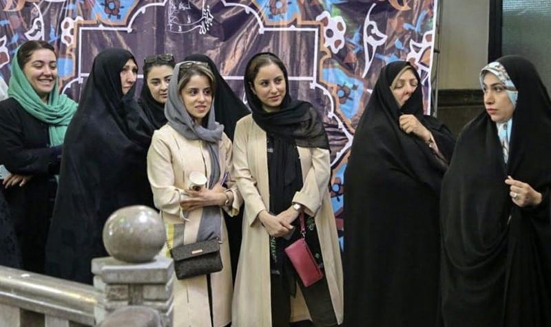 تهران و شهرستانها سنگ تمام گذاشتند: زنان ایران در مشاركت از مردان پیشی گرفتند