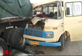 تصادف سرویس مدرسه با تریلی در کرمان: مجروح شدن ۲۰ دانش آموز پسر ۱۱ تا ۱۳ ساله