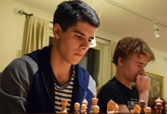 Iranian Norwegian Aryan Tari wins World Junior Chess Championship