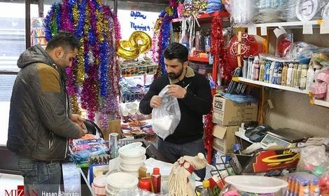 تصاویر شغل مرحوم فلاحتینژاد بعد از قهرمانی جهان: فروشنده ظروف یکبار مصرف!
