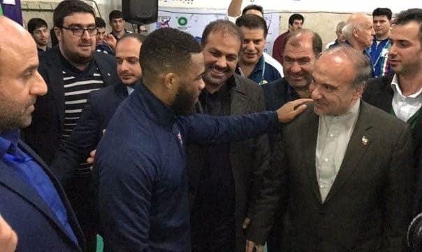 (تصویر) قدردانی جردن باروز نابغه محبوب کشتی آمریکا از وزیر ورزش