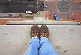 خودکشی یک دختر جوان دیگر در ایران:  خودکشی دختر ۱۸ ساله در امیرکلا با پرش از ساختمان ۵ طبقه