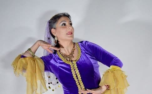 Classical Persian Dance Technique and Musicality