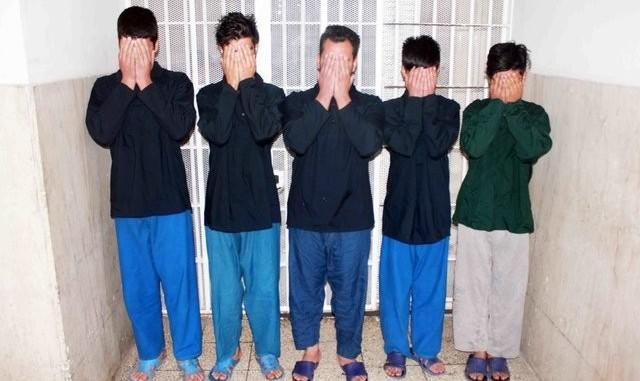 دعوا و جنایت برای نشستن در صندلی جلو وانت! دستگیری جوان ۱۸ ساله پیش از فرار به افغانستان