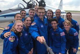بدون تعارف: ویدیوی گفتگوی یاسمین مقبلی فضانورد ...