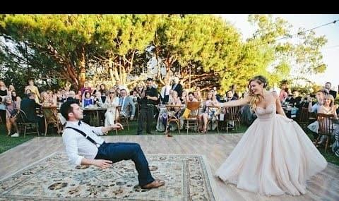 When a magician marries a photographer! First dance (video)