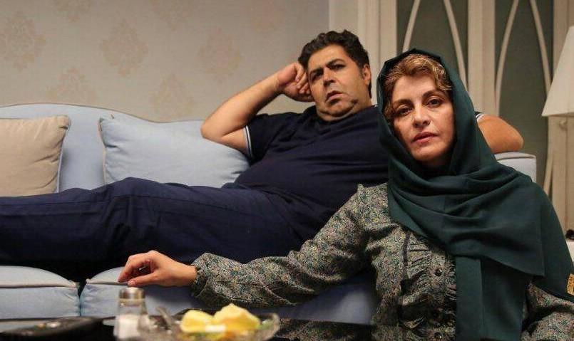 اکران فیلم «زیر سقف دودی» با حضور کارگردان پوران درخشنده در شب افتتاح