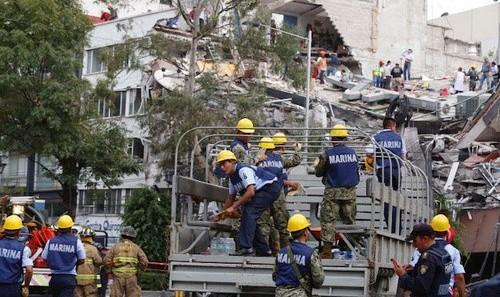 آمار کشتهها در زلزله ۷.۱ ریشتری مکزیک به بیش از ٢٢٠ نفر رسید