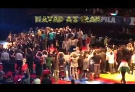 Iranians-Americans party, exchange peace during wrestling games (Videos)