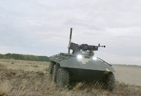 تصاویر روبات جنگی با قابلیت جابجایی سربازان زخمی
