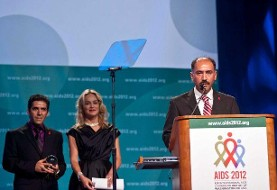 Iranian Alaei brothers receive award from Sharon Stone (Video)