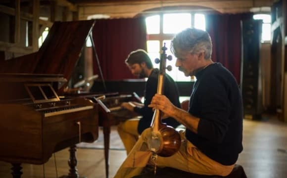 Kayhan Kalhor joins Jazz trio Rembrandt Frerichs