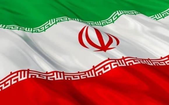 ایرانیان در پاریس: اشتراک گذاشتن فرهنگ، یادگیری زبان و دیدار با مردم سراسر جهان