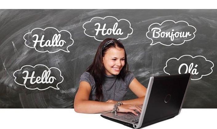 کلوب چند زبانه ها: تمرین ایرانی و انگلیسی