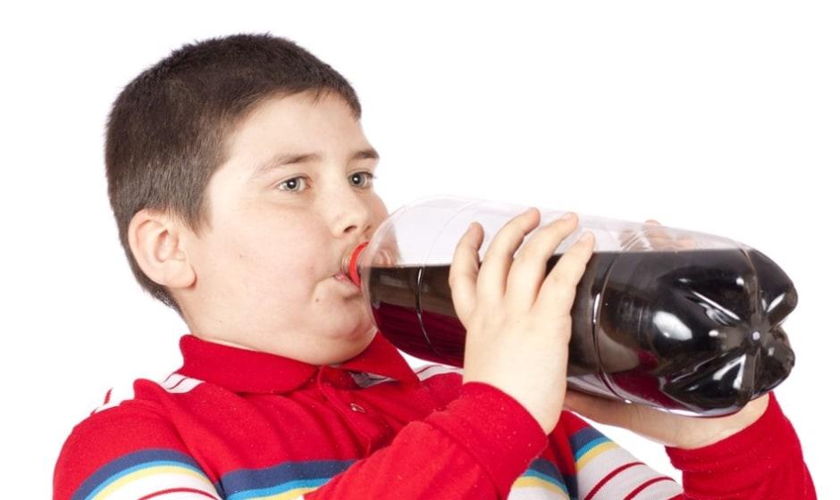 یک ساعت پس از نوشیدن کوکا و پپسی در بدن چه اتفاقی می افتد؟ نوشابه ...