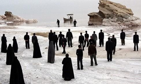 نمایش فیلم کشتزارهای سپید