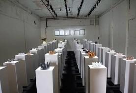 سلفی گرفتن زن جوان، ۲۰۰ هزار دلار خسارت به بار آورد! ۶ سال زحمت نمایشگاه بر باد رفت! تصاویر
