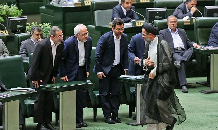 رای اعتماد مجلس به ۱۶ وزیر پیشنهادی روحانی؛ بیطرف رای نیاورد