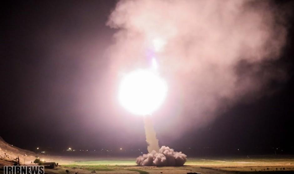 اولین حمله مستقیم ایران از پایگاه موشکی کرمانشاه به پایگاه داعش در سوریه / ظریف: توان موشکی ایران از شهروندانش دفاع میکند
