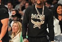 وقتی ورزشکار مشهور به سبک «ریچ کیدز» جواهراتش را نشان می دهد +تصاویر