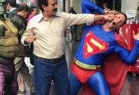 مُشت پرویز پرستویی به صورت سوپرمن+عکس