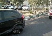 تصادف دو خودرو در تهرانسر / راننده مزدا به بیرون پرتاب شد +عکس