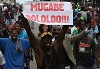 بر خلاف پیشبینیها، رابرت موگابه در نطق تلویزیونیاش حرفی از استعفا نزد