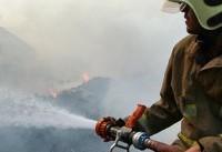 مهار آتش در انبار ۱۰ هزار متری چوب در شهریار