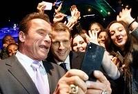 سلفی آرنولد و رئیسجمهور فرانسه مقابل برج ایفل (+عکس)