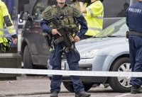 فردی با حمله به پلیس فرانسه تعدادی از آنها را زخمی كرد
