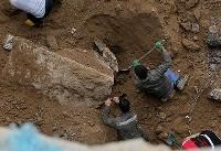 حادثه در شرکت ترابری دندی/ حبس شدن راننده کامیون زیر خاک