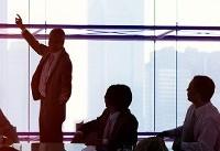 نگاهی به ویژگیهای سبک رهبری مشارکتی، معایب و مزایای آن