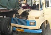 تصادف مینی بوس سرویس مدرسه و تریلی در کرمان/ ۲۰ دانش اموز مجروح شدند